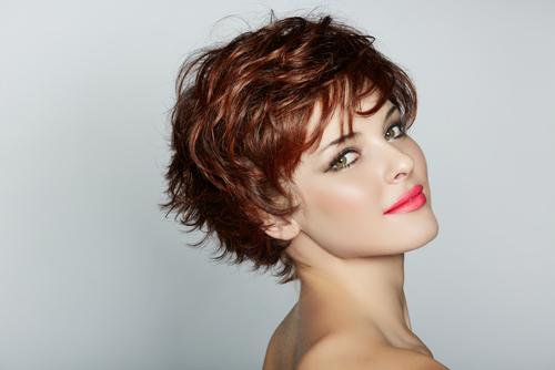ショートヘアパーマ女性画像