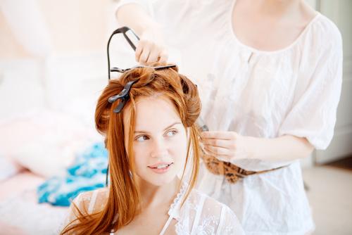 【美容師が教える】くせ毛の原因やうねり・くせ毛・縮れ毛を治す方法の全て!