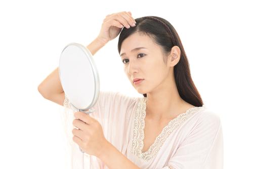 【美容師が教える】前髪が薄い女性にも似合う髪型とヘアアレンジ