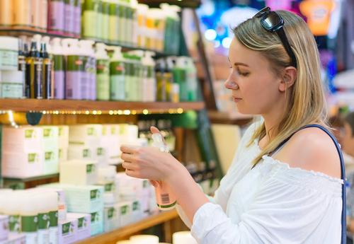【女性用育毛剤】薬局やドラッグストアの市販品はどうなの?口コミ人気ランキング