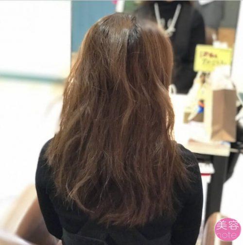 髪の毛バサバサのモデル